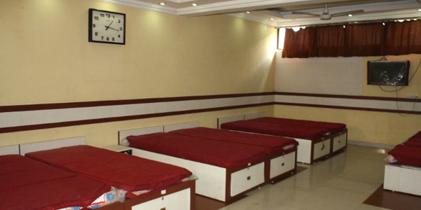 Dormitory 12 bed Non-AC with Shared Bathroom Double Occupancy