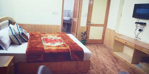 Semi Deluxe Double Bed Room