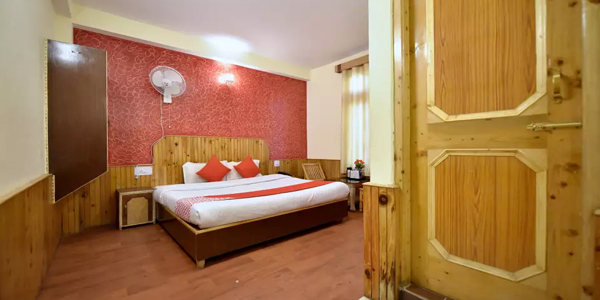 Super Deluxe Room with Common Balcony