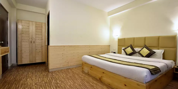 Deluxe Double Bed Room with Common Balcony