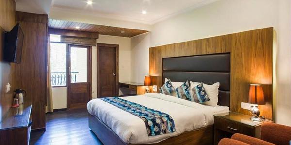 Hotel Shiwalik Regency