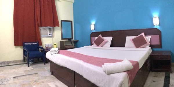 Deluxe Double Bed AC Room with Breakfast