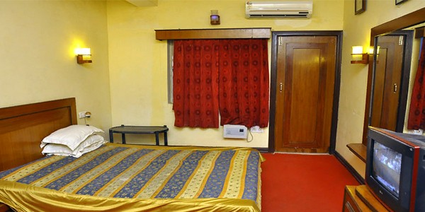 AC Double Bed Non Sea Facing Ground Floor Cottage Room