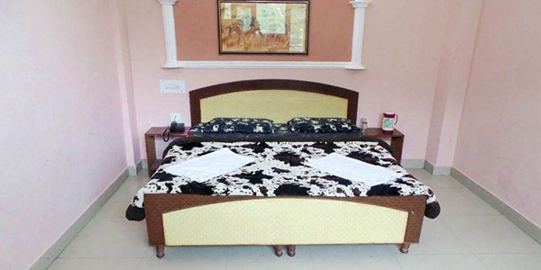 Deluxe Non AC Double Bed Room
