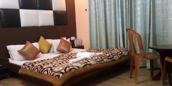 Deluxe Double Bed Room with Breakfast