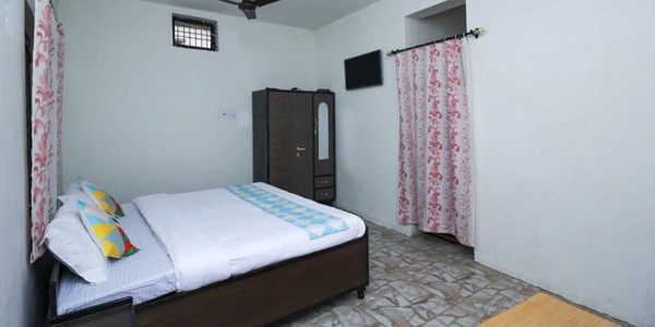 OYO 16908 Home Cozy Studio Air Colony