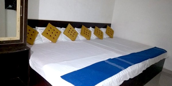 Standard Non-AC Six Bedded Room