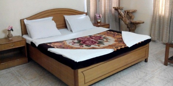 Semi Deluxe Double Bed Room