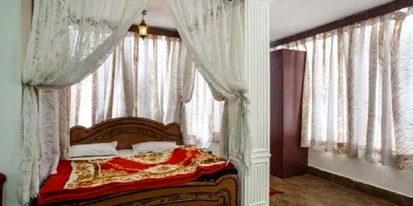 Hotel Himgiri