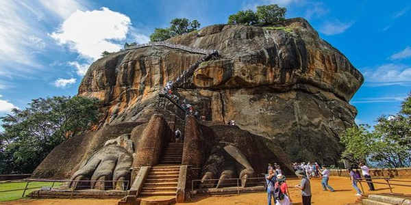 Essential Tour of Lanka